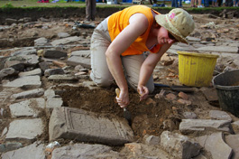 Excavating at Caerleon 2008 (Copyright Cardiff University)